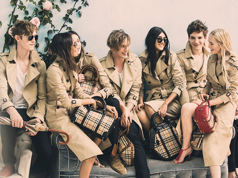 Callum-Ball-Malaika-Firth-Matilda-Lowther-Jamie-Campbell-Bower-Neelam-Johanl-Leo-Dobson-and-Jean-Campbell-behind-the-scenes-on-the-Burberry-Spring_Summer-2014-campaign